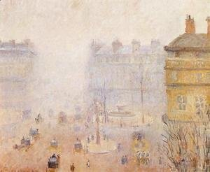 Place du Theatre Francais: Foggy Weather